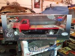 1/16 Highway 61 1975 Chevy Heavy Duty Flatbed BNIB NEVER DISPLAYED Red 1/18 118